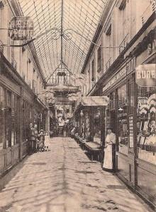 Paris-arcades-220x300